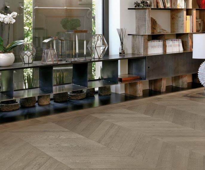 Three layers local Rovere planks